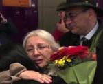 Мы обняли Динару. В аэропорту Схипол (Амстердам) 19 апреля 2016 г.